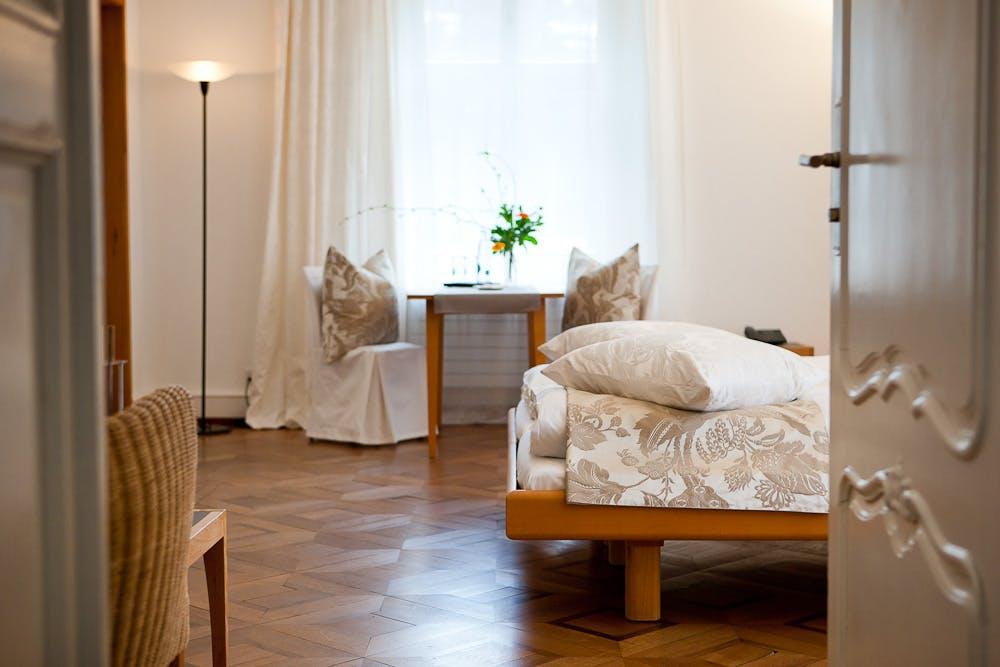 zimmer schloss wartegg das bio schlosshotel am bodensee. Black Bedroom Furniture Sets. Home Design Ideas