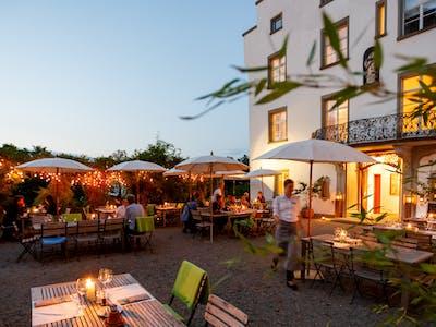 Schloss-Terrasse - Abendstimmung 2